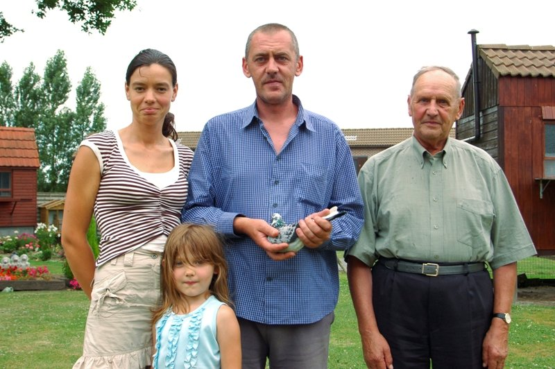 From right to left: Gerard and Luc Sioen, together with Hilde and daughter Indra...